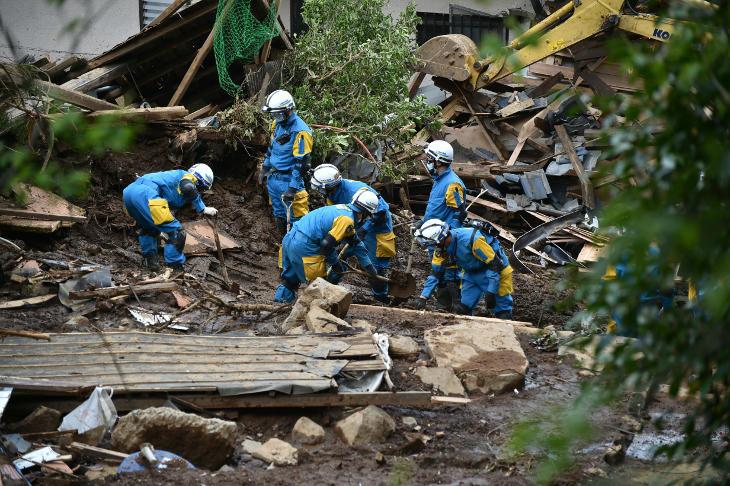 Más de 90 edificios destruidos tas el terremoto japonés