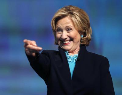 Hillary Clinton te señala muchas cosas