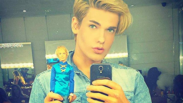 Muere el muñeco Ken humano a los 20 años - Los Replicantes: http://www.losreplicantes.com/articulos/muere-ken-humano/