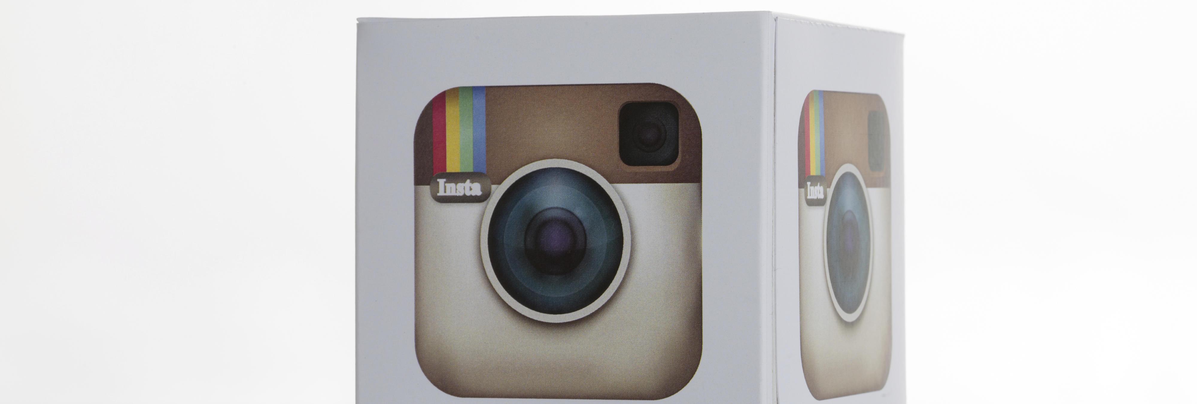 Instagram dice adiós a su clásica cámara para probar un nuevo diseño en blanco y negro