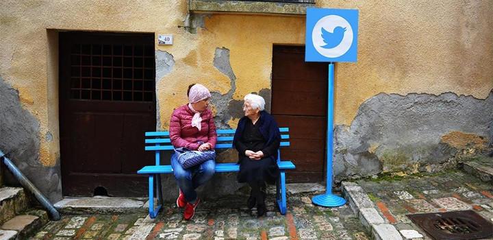 Twitter es un pequeño banco en mitad de la calle