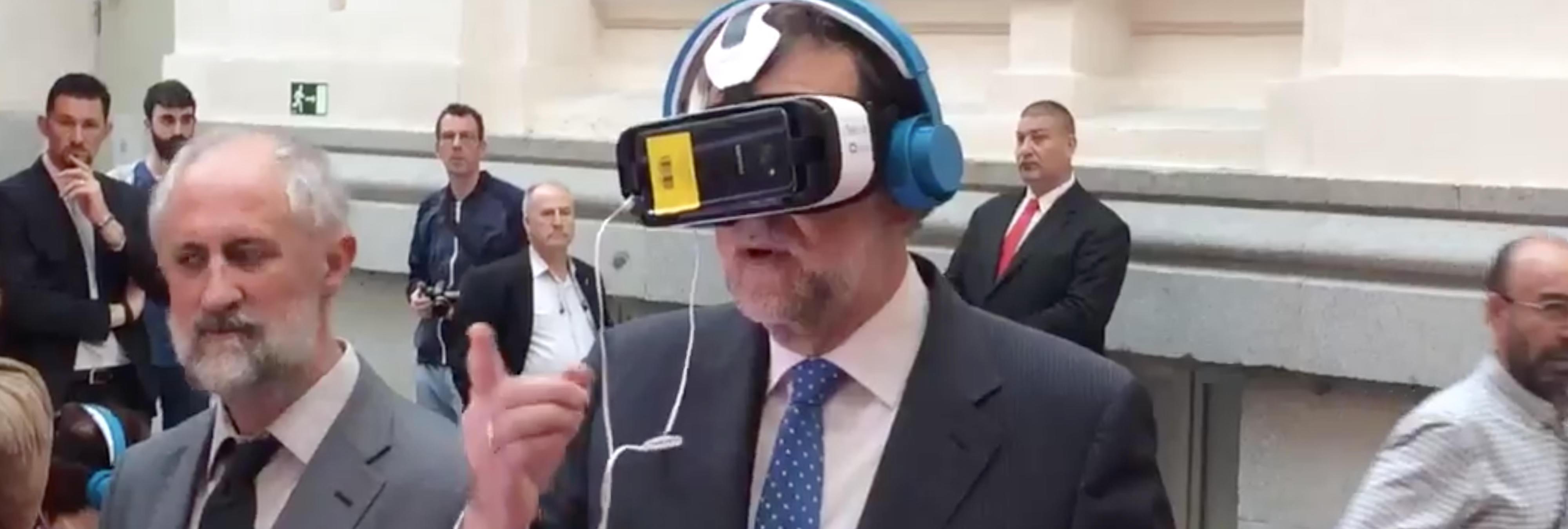 Los mejores memes de Rajoy probando las gafas de realidad virtual