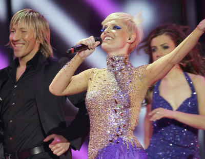 La impetuosa necesidad de España de llenar el escenario de Eurovisión al máximo