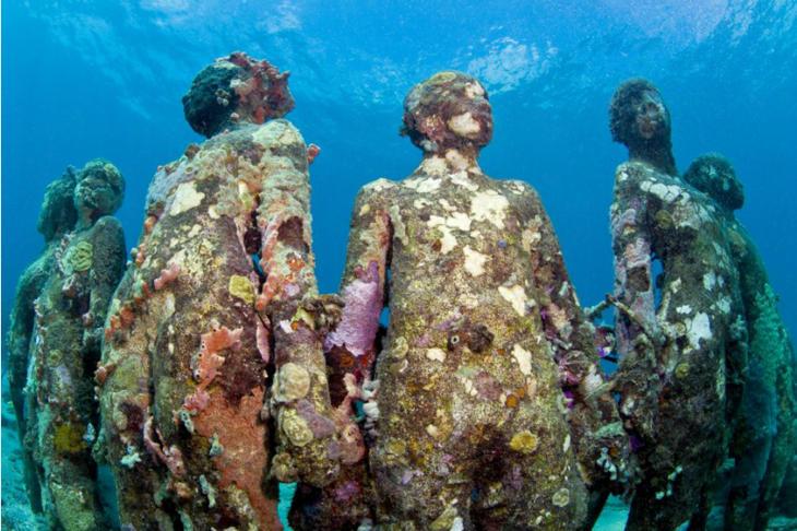 Se espera que las estatuas acaben cubiertas por organismos marinos