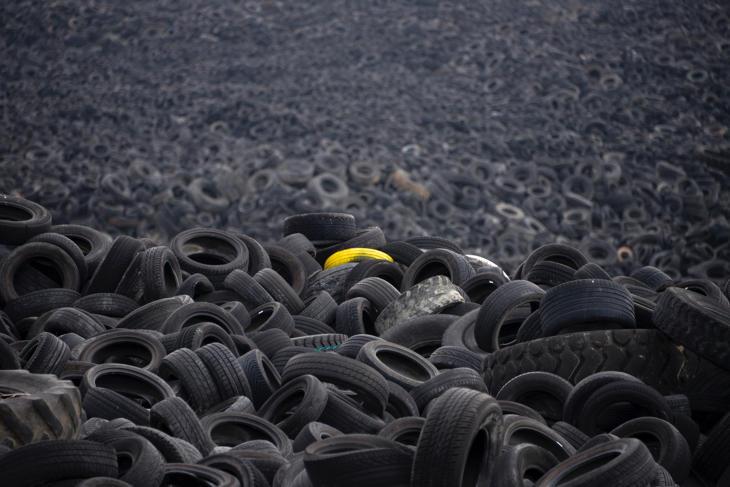 El inmenso cementerio de neumáticos de Seseña