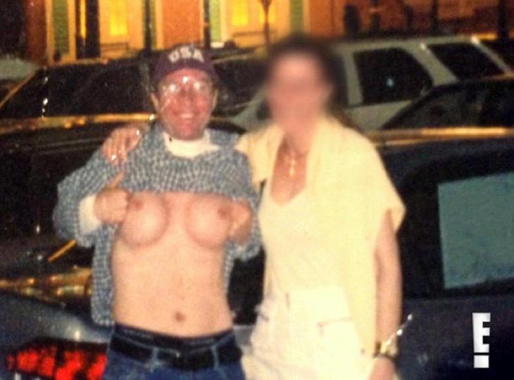 Tener pechos no le impidió seguir ligando con mujeres