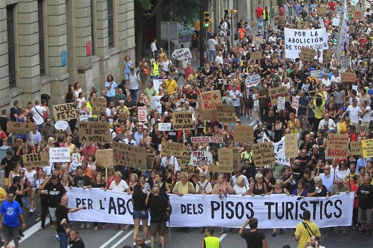 Manifestación contra el modelo turístico en Barcelona