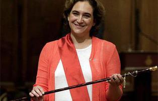 ¿Qué promesas ha cumplido Ada Colau en su primer año como alcaldesa de Barcelona?