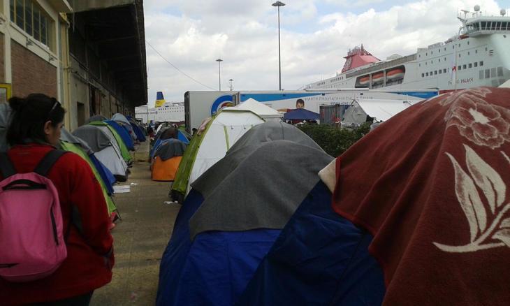 Los que tenían más suerte dormían en tiendas de campaña (Mónica Hidalgo)