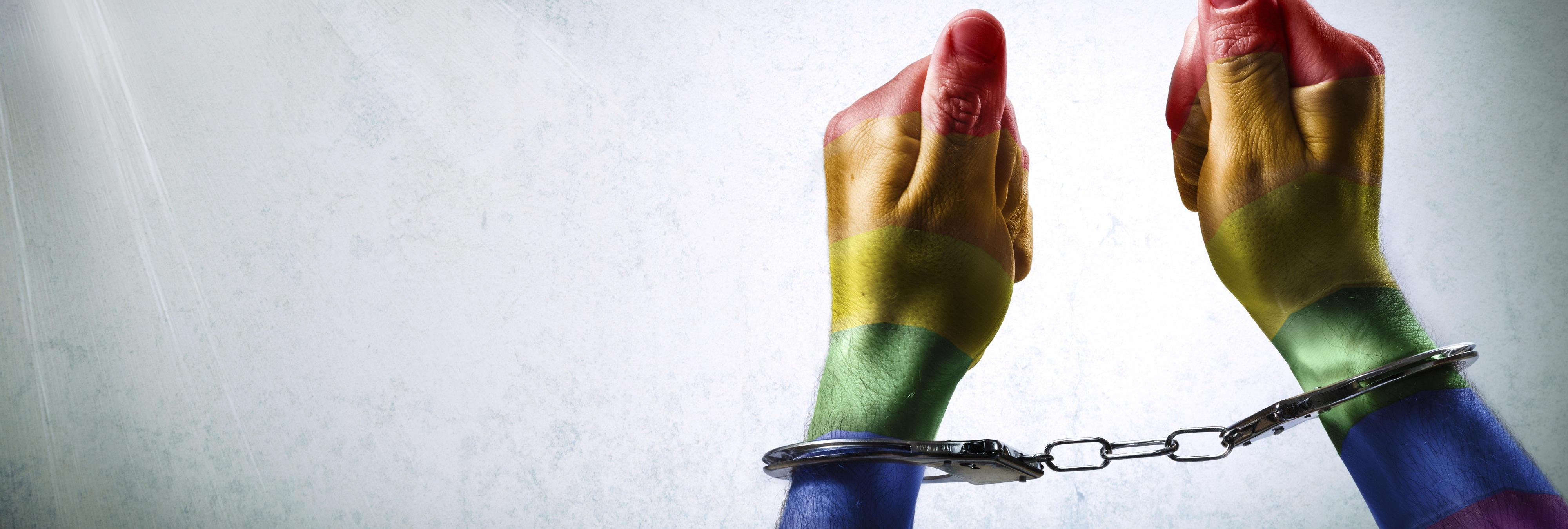 Le rompen la nariz a un joven gay por llamar 'guapo' a un heterosexual en Madrid