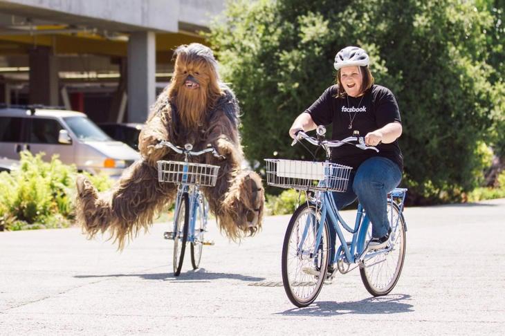 Candace visita Facebook con Chewbacca