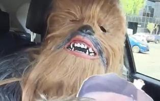 La secuela del vídeo de la madre Chewbacca es una parodia... hecha por Chewbacca