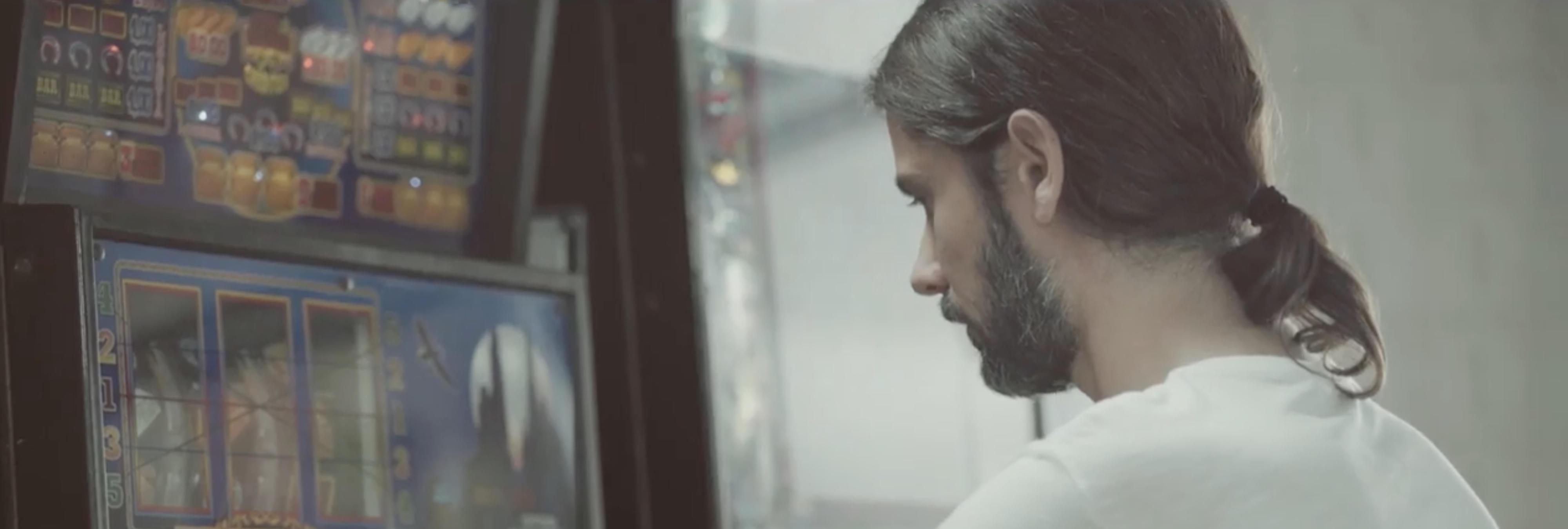 El vídeo electoral de Ciudadanos en el que hasta Pablo Iglesias votará a Rivera