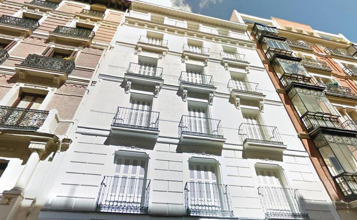 El edificio del conflicto, en Juan de Mena 13 (Google Maps)