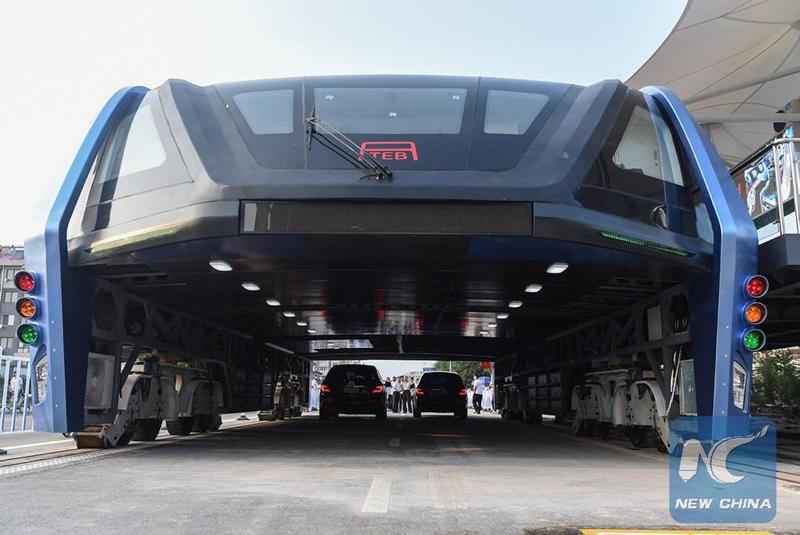 El Autobús de Tránsito Elevado que ha inventado un ingeniero chino