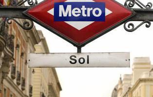 Vodafone Sol y otras veces que las marcas invadieron a la ciudadanía
