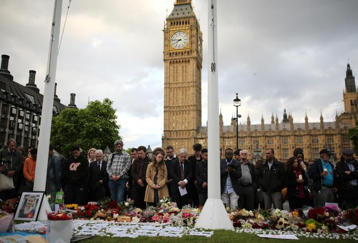 Homenaje a Jo Cox frente al Big Ben