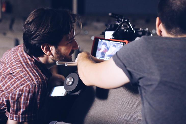 David Velduque en la grabación de 'Por un beso'