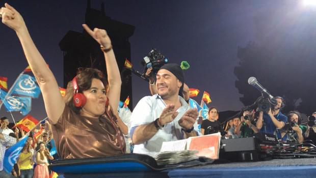 RT si crees que la carrera de Soraya como DJ ha ayudado al PP a ganar escaños
