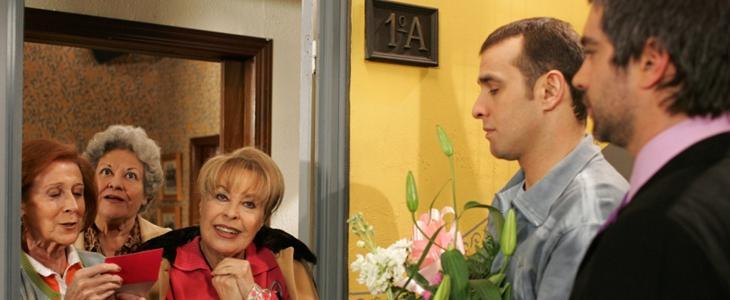Vicenta, Marisa, Doña Concha, Mauri y Fernando
