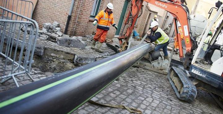 La tubería mide tres kilómetros
