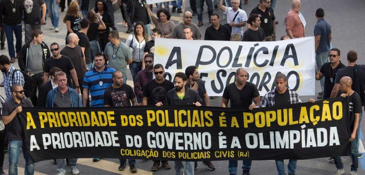 La prioridad de los policías es el pueblo, la prioridad del gobierno son las Olimpiadas
