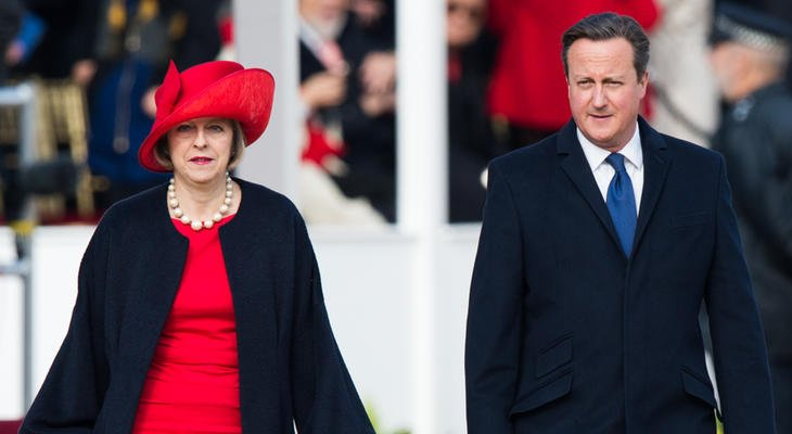 Theresa May y David Cameron durante un acto oficial