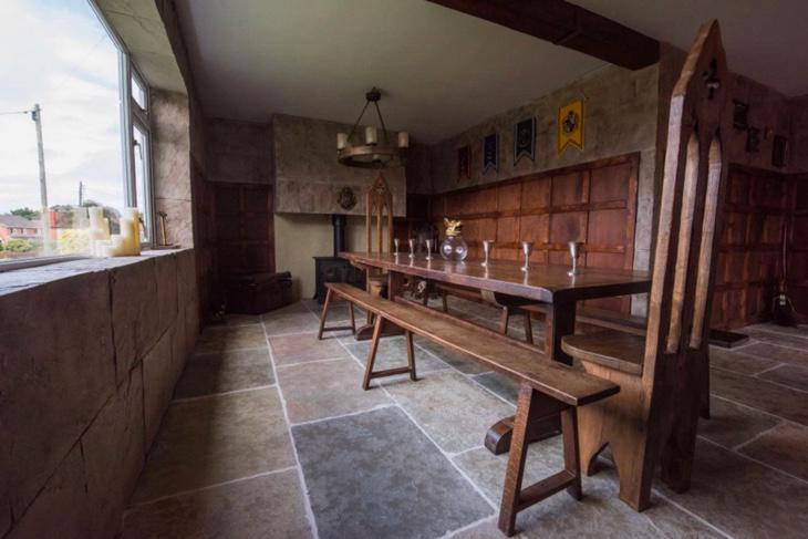 Interior del salón-comedor de la casa (Caters)