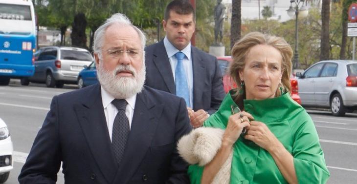 Micaela Domecq junto a Cañete