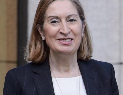 Ana Pastor, nombrada Presidenta del Congreso al grito de '¡Insolidaria!'