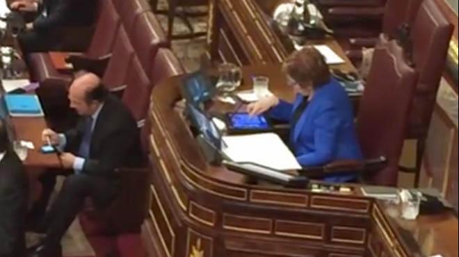 Celia Villalobos dejará de jugar a Candy Crush en el Congreso y no tendrá que aguantar más
