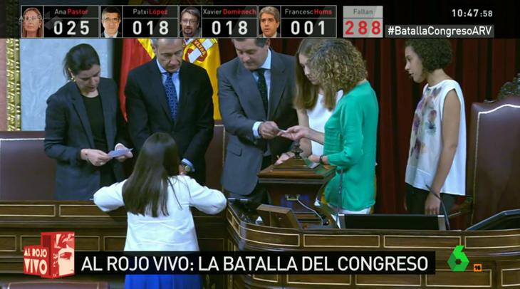 Pastor, López y Domènech toman la delantera tras más de 50 votos contados
