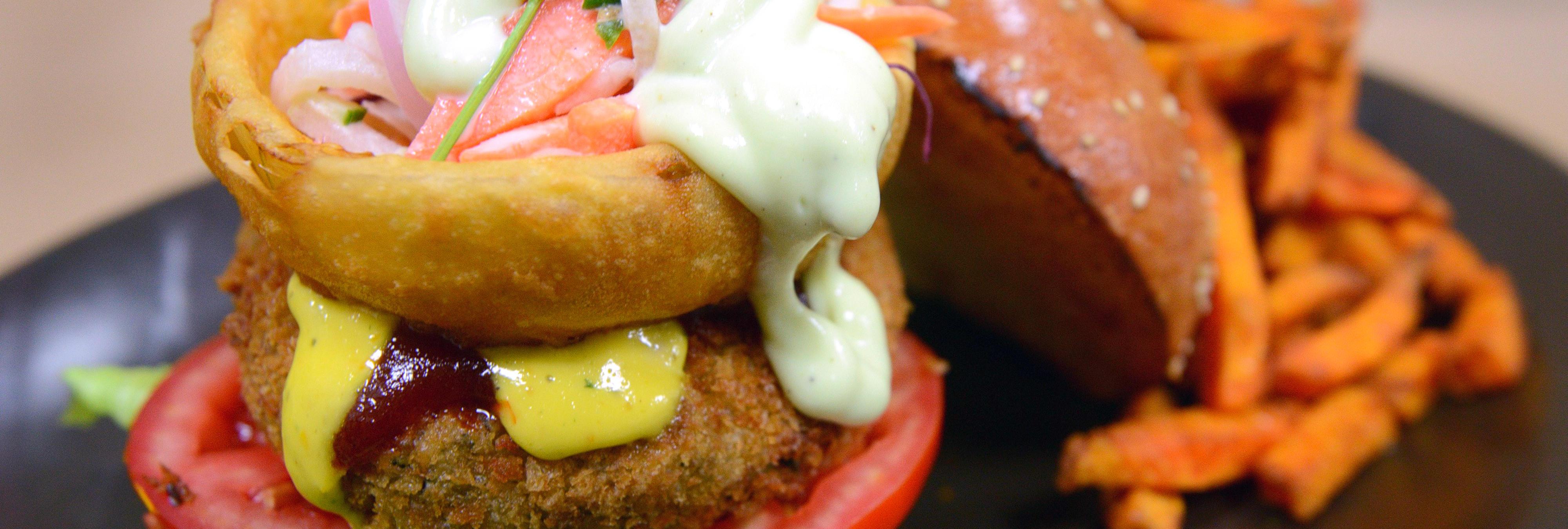 McDonald's pidió ideas para una nueva hamburguesa y lo más suave que recibió fue una inspirada en una vagina