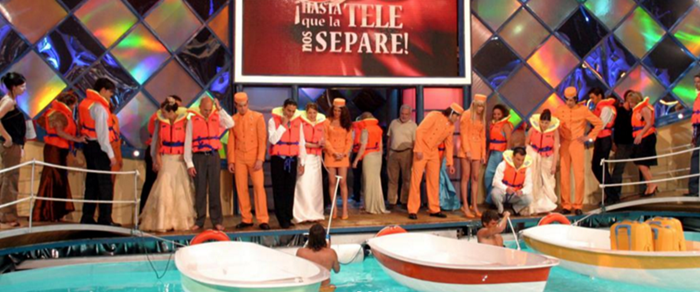 En 'Hasta que la tele nos separe' los concursantes iban vestidos con trajes de novios