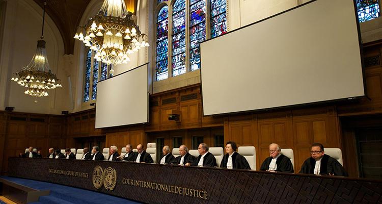 Se acusa al Tribunal de racista y herramienta del colonialismo
