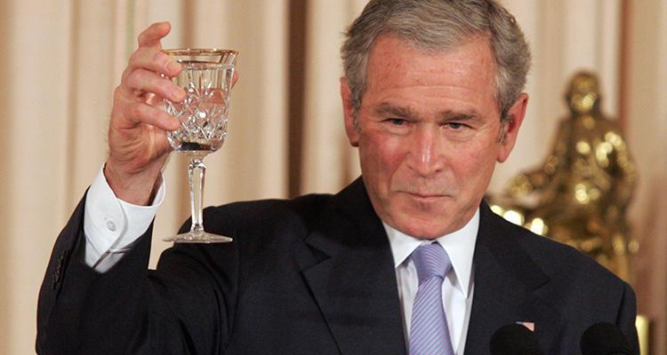 Bush retiró el escaso apoyo de EEUU al Tribunal