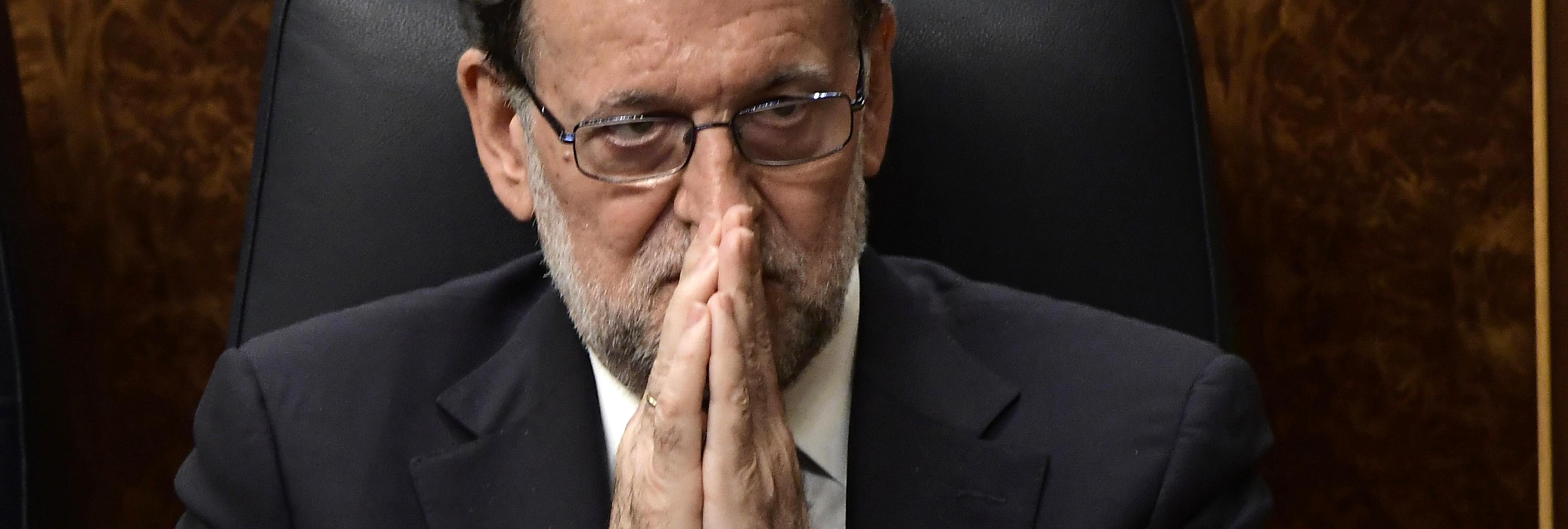 Mariano Rajoy, el Presidente aburrido en la cama al que daban collejas, según las españolas