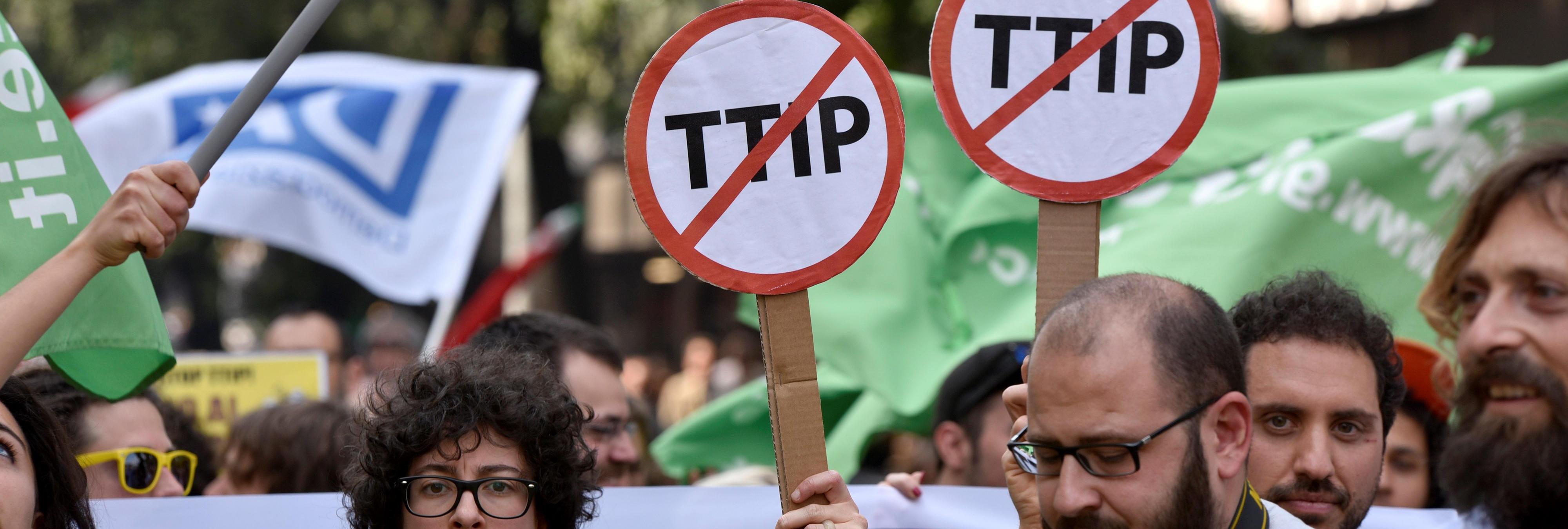 Tom Kucharz: 'El TTIP también es una forma de poner una camisa de fuerza a los partidos emergentes'