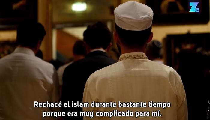 Zahed rechazó el islam durante mucho tiempo