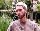 Un imam rompe todos los estereotipos al acudir a una fiesta del Orgullo Gay