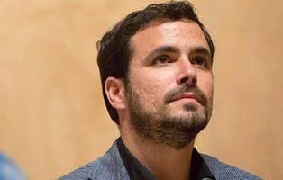 El Ejército de Tierra bloquea en Twitter a Alberto Garzón