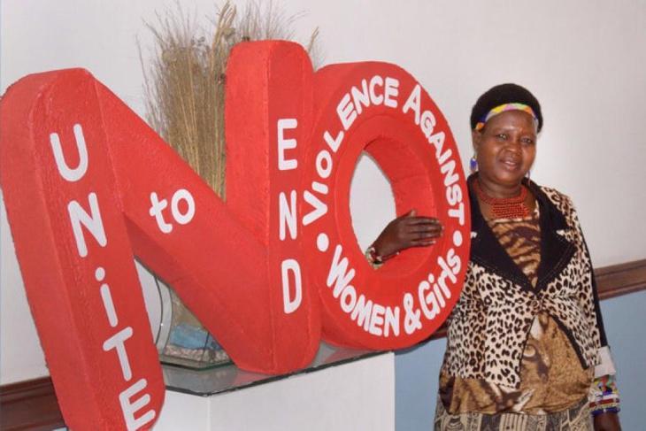 Kachindamoto en una campaña contra la violencia a la mujer (Twitter)