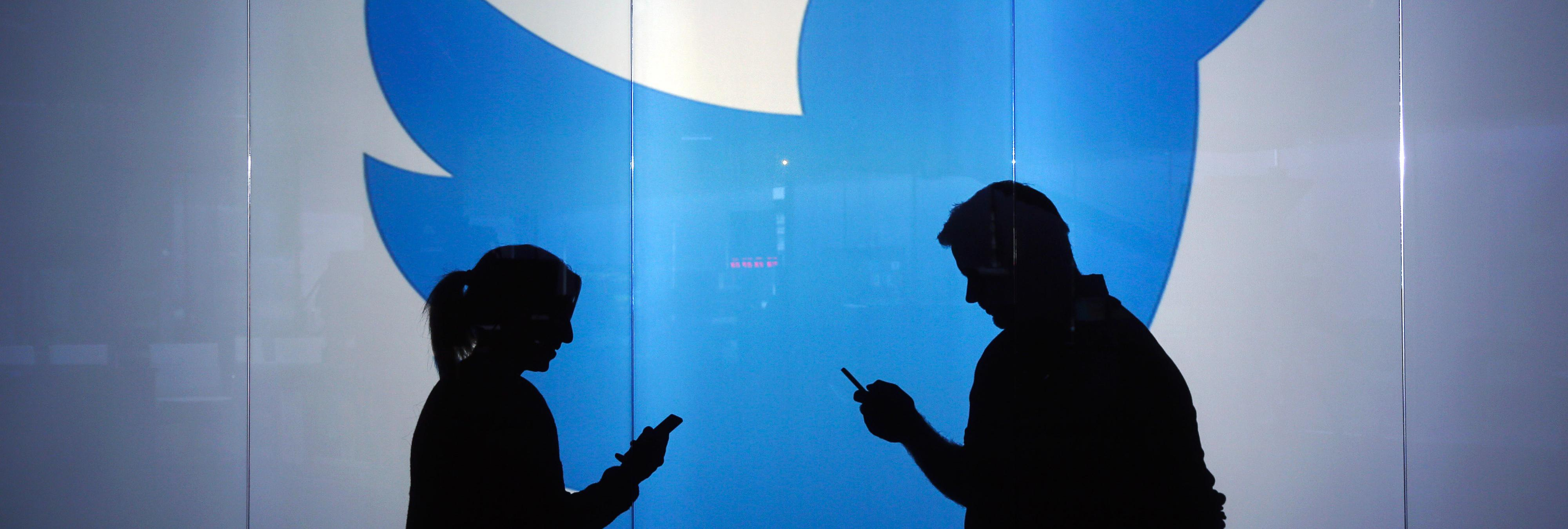 Las ventajas de usar el modo nocturno de la app de Twitter
