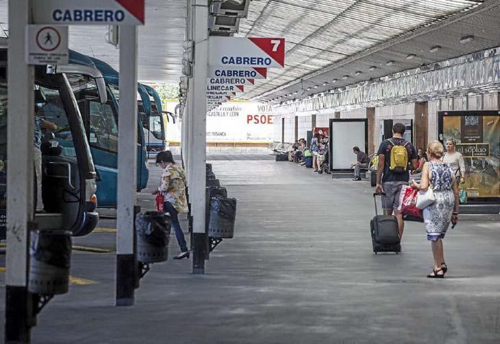 Andenes de la Estación de Autobuses de Valladolid donde tuvo lugar el encuentro sexual