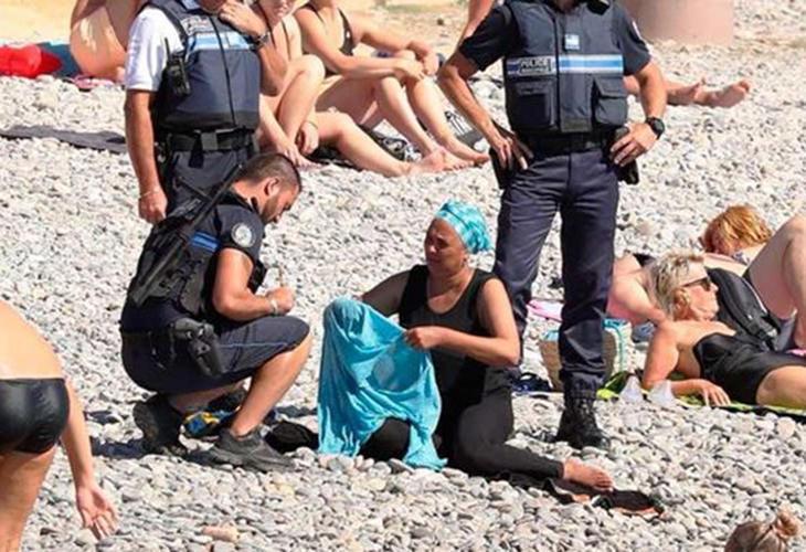 Según un testigo, algunos de los presentes le dijeron que se fuera 'a casa' y aplaudieron a la policía