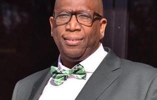 El pastor que celebró la matanza de Orlando es detenido por pederastia