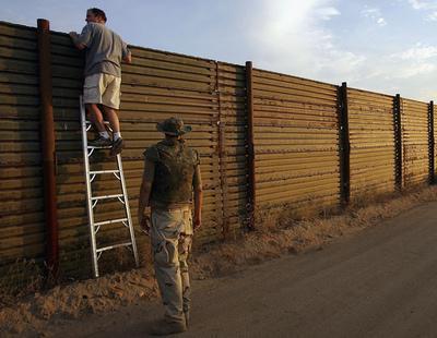 Trump afirma que México pagará 'el 100% del muro' que planea colocar en su frontera
