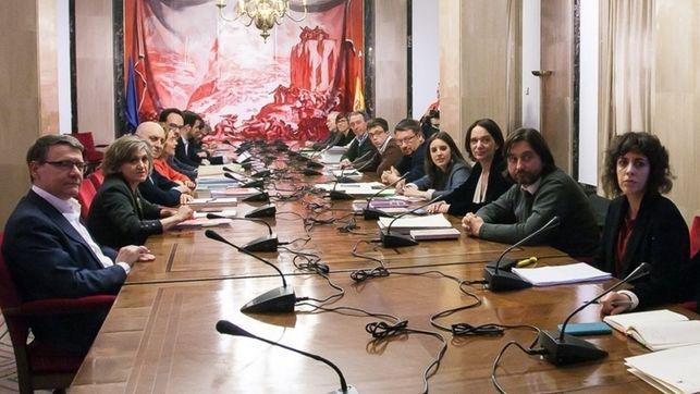La mesa a cuatro podría volver a repetirse para abordar la posibilidad de un 'gobierno de cambio'