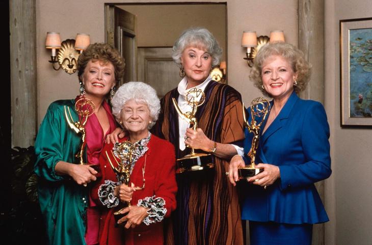 Arthur, segunda por la derecha, con el casting de 'Las Chicas de Oro'