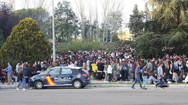 Al final va a resultar que la policía sí podía acceder (Enrique Villarino / El Confidencial)